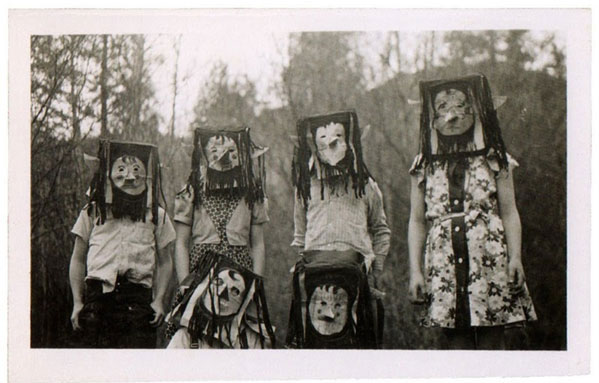 Creepy vintage Halloween photos scarier than anything you'll