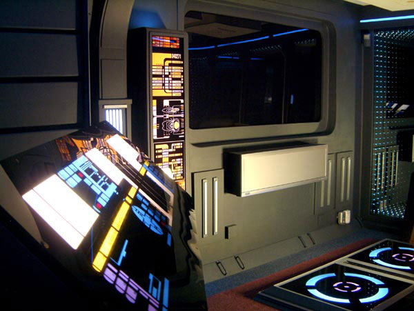 """Guy who built epic """"Star Trek Apartment"""" may lose it in ..."""