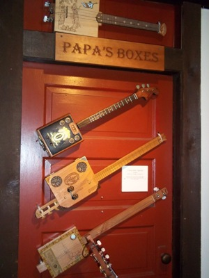 grand re opening of the cigar box guitar museum near pittsburgh pa boing boing. Black Bedroom Furniture Sets. Home Design Ideas