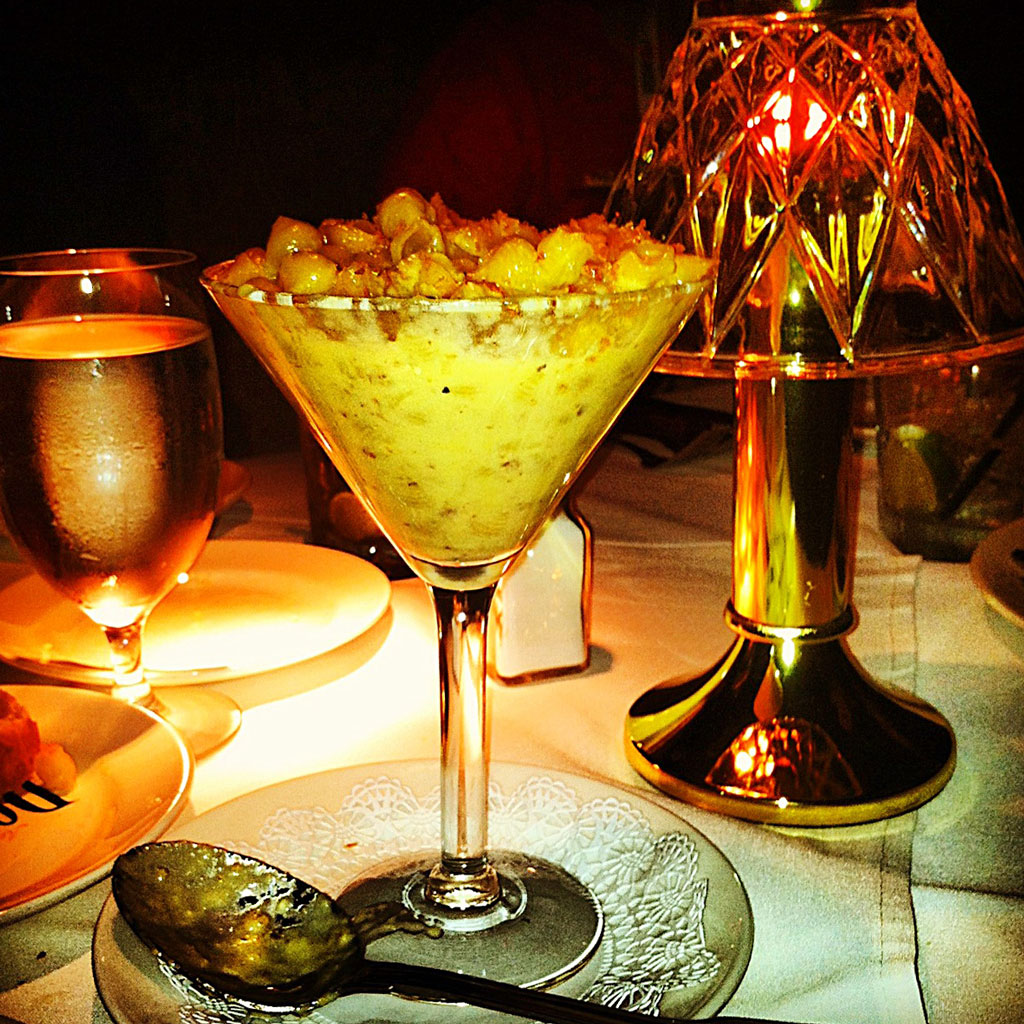 Disgusting or delicious? The Mac and Cheese Martini reviewed / Boing Boing