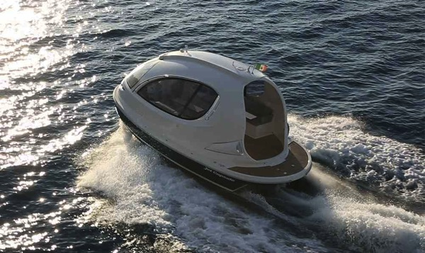 jet capsule futuristic yacht pod    boing boing