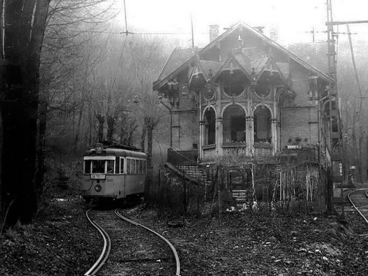 Spooky hungarian tram terminus boing boing for House of tracks