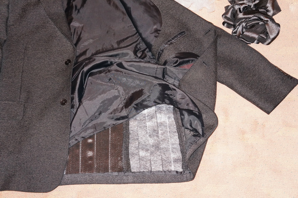 Make Taser Proof Clothing With Carbon Fiber Linings