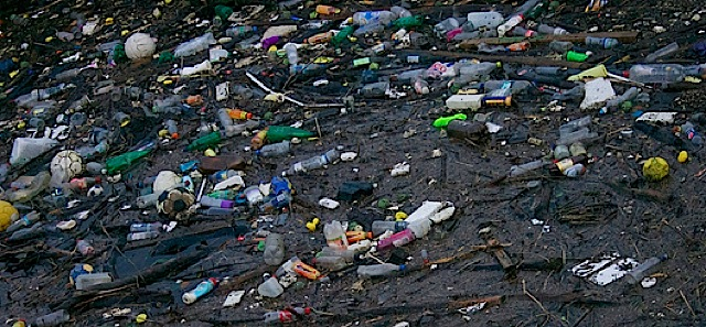 Plastic Pollution In Oceans Can T Be Solved With A Gadget