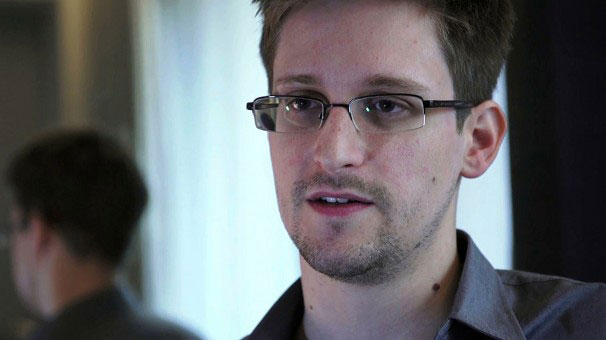 Russia may turn Snowden over to U.S. as 'gift' to 'curry favor' with Trump (who wants to kill the NSA leaker)