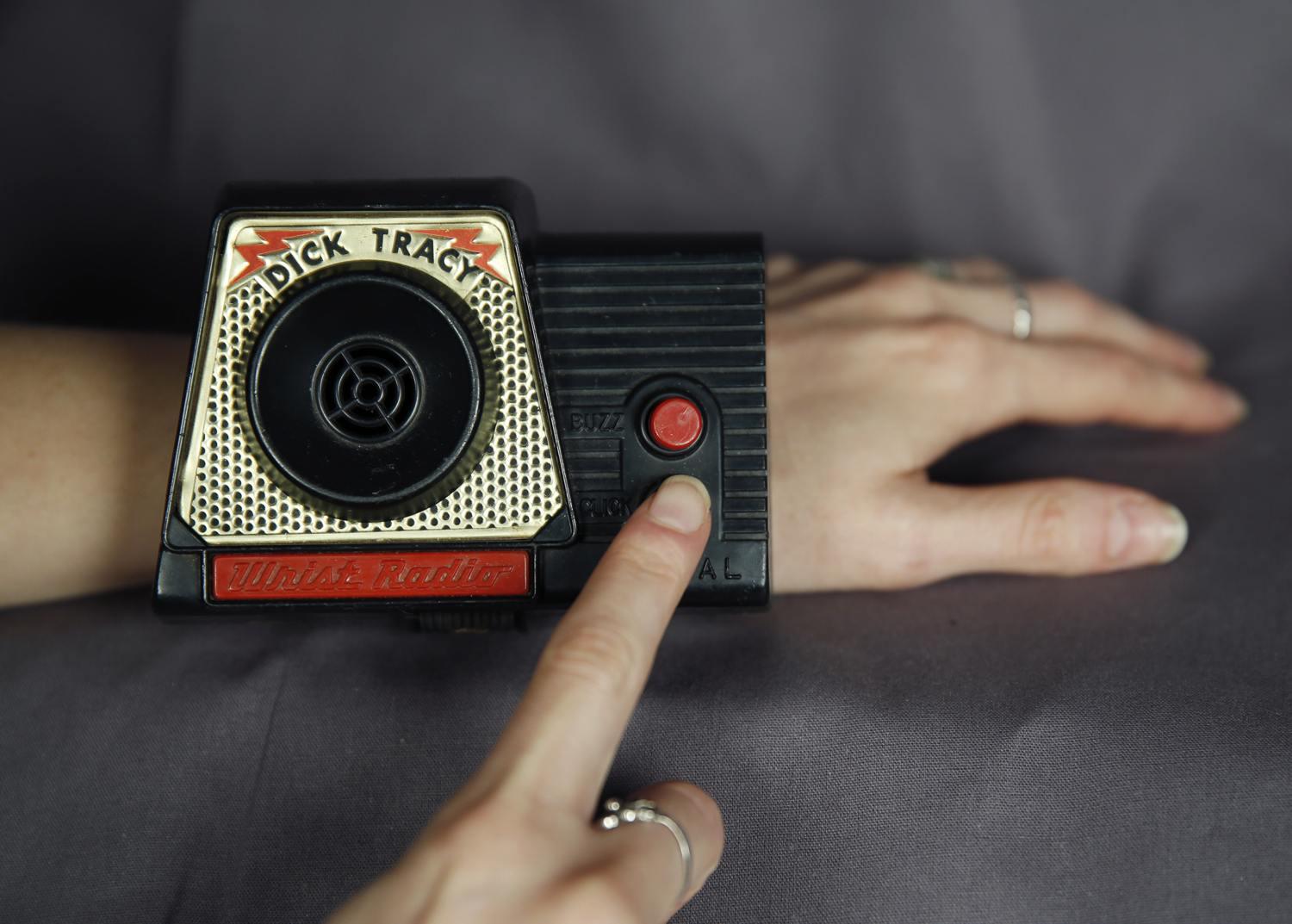 A 1960's era Dick Tracy wrist radio is seen in District Heights, Maryland September 8, 2014. [Reuters]