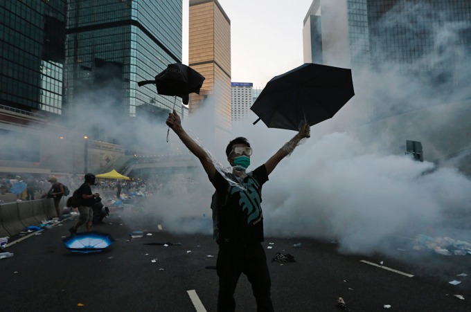 Hong Kong protesters remain in the streets, defying Beijing: photo gallery