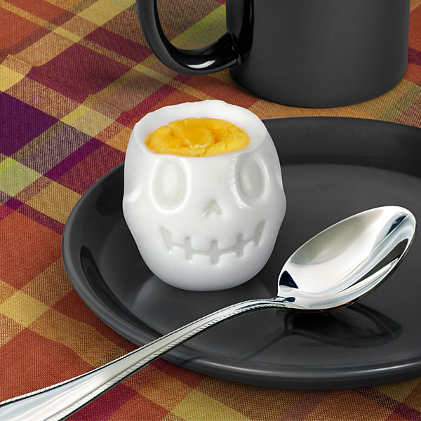Mold for producing skull-shaped hard-boiled eggs