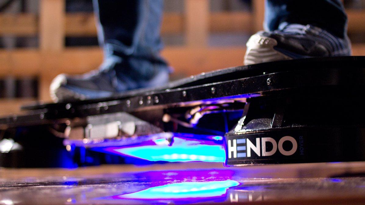 Real life hoverboard introduced via Kickstartercampaign