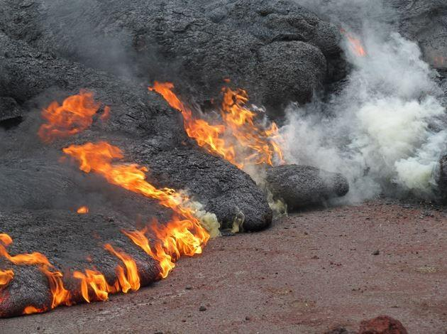 Lava claims first home in Pahoa [USGS]