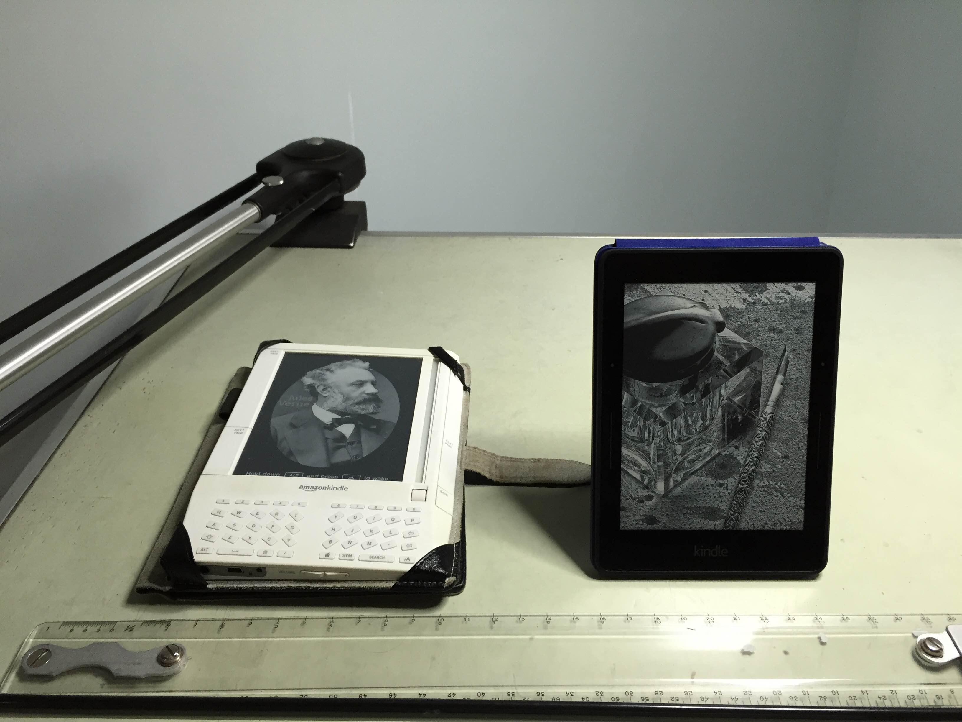 Kindle Vs Sony Reader: Kindle Original Vs Kindle Voyage / Boing Boing
