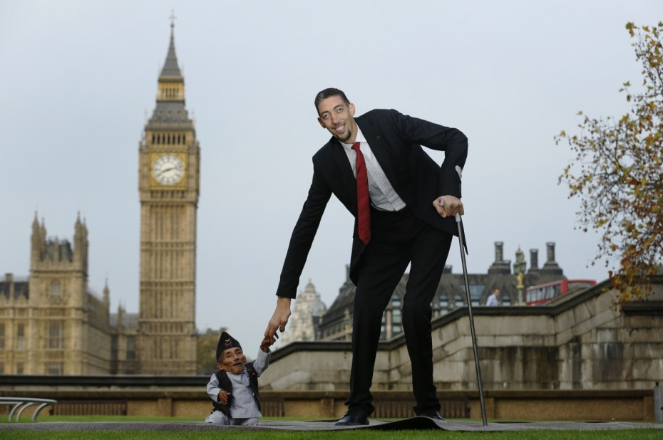 Tallest Person In The World 2014 Photo: World's tallest...