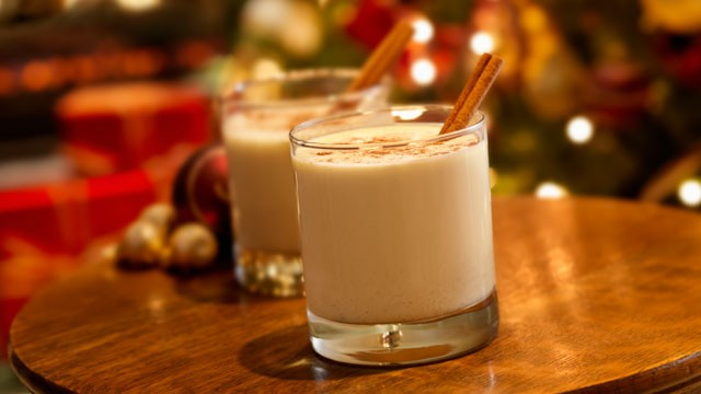 holiday punch classic holiday eggnog à la carte kitchen holiday ...