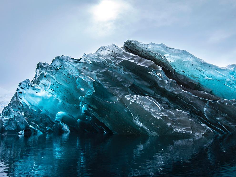 flipped-iceberg-antarctica_88301_990x742