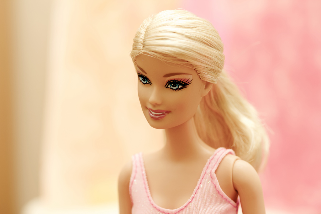 Quot hello barbie eavesdrops on kids sends what it hears to