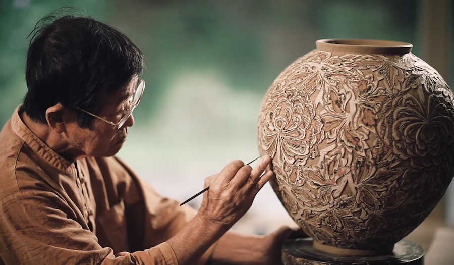 Gorgeous video of artisans crafting ceramics in Icheon