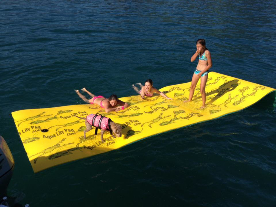 Roll-up floating pool-pad that supports up to 1300lbs ...