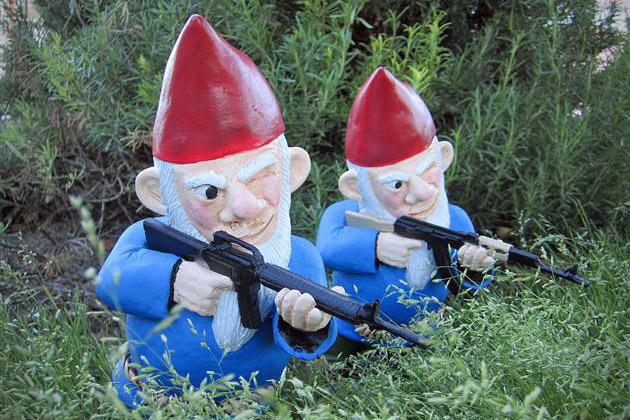 Combat-Garden-Gnomes