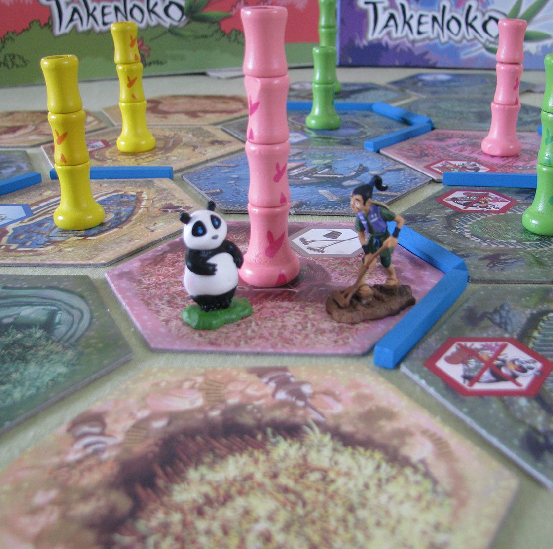 takenoko board game take care of a bamboo garden to keep a panda