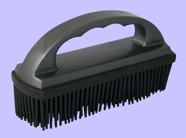 2 brush removes pet hair like magic boing boing. Black Bedroom Furniture Sets. Home Design Ideas