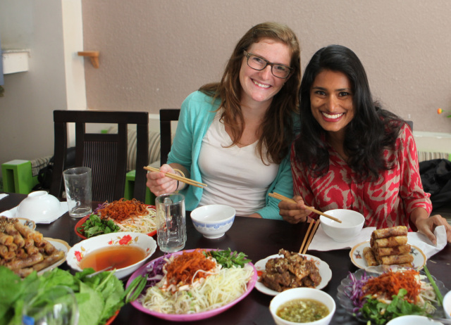 Traveling Spoon's Stephanie Lawrence and Aashi Vel.