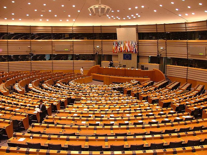 800px-2007_07_16_parlament_europejski_bruksela_26 (1)