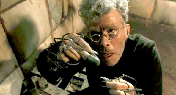 dracula use of renfield as a Renfield @ bram stoker's dracula (1992) portrayed by tom waits renfield: oh, yes a kitten i beg you a little, sleek - a playful kitten something i can t.