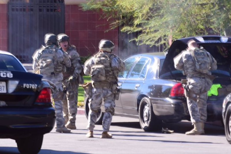SWAT team active at San Bernadino mass shooting site. Photo: @crimeshutterbug
