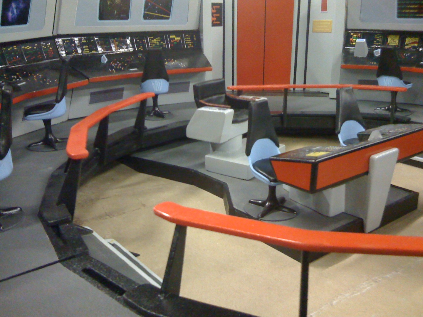 Howto Make Your Own Fantastically Detailed Star Trek Tos