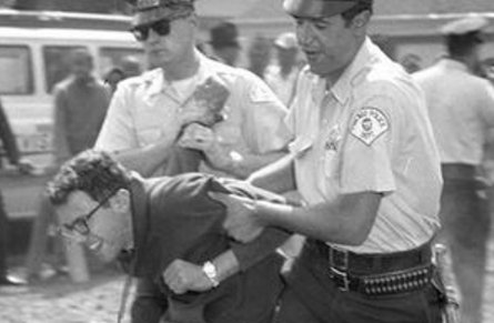 Bernie Sanders' Civil Rights Credentials Get Some Photographic Proof