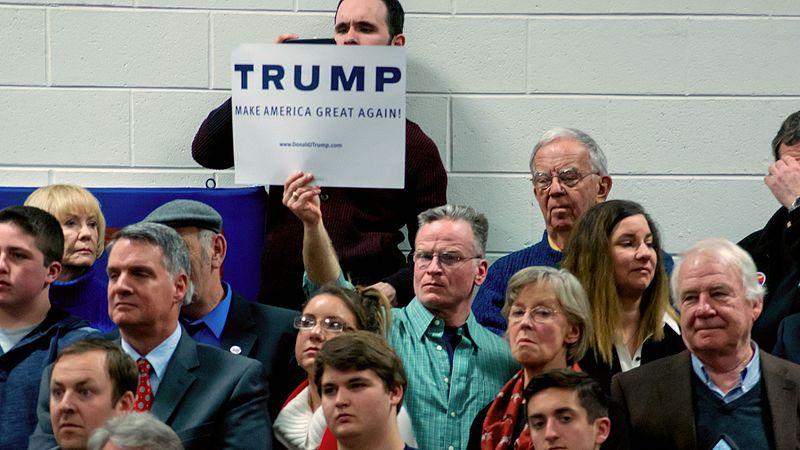 Sign_at_Donald_Trump_rally_2015