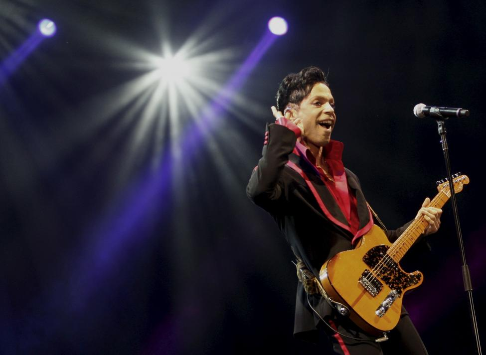Prince performs in Abu Dhabi, UAE, in 2010.  REUTERS