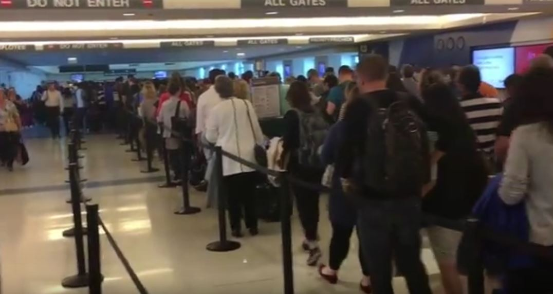 Shortest Route Between Chicago And >> Footage of security lines snaking out the airport / Boing Boing