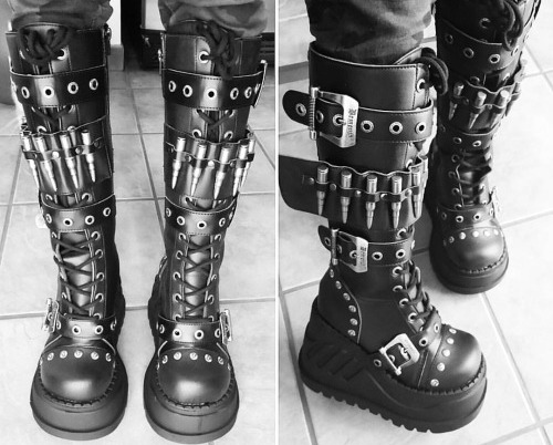 Bullet-lined knee-high wedge-boots
