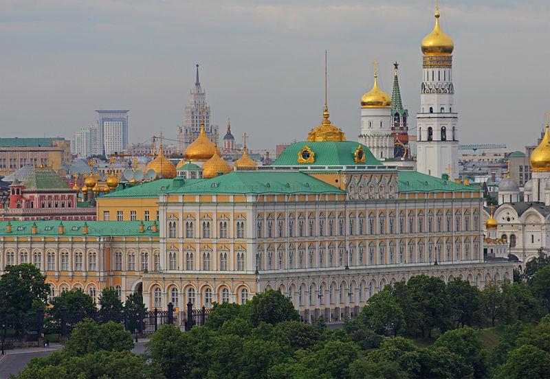 800px-Moscow_05-2012_Kremlin_23