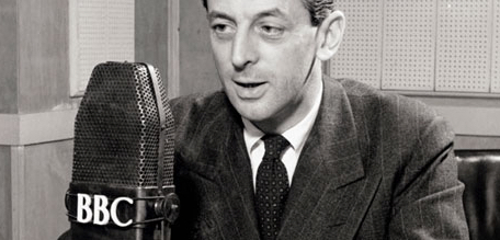 Alistair-Cooke-Broadcasti-003