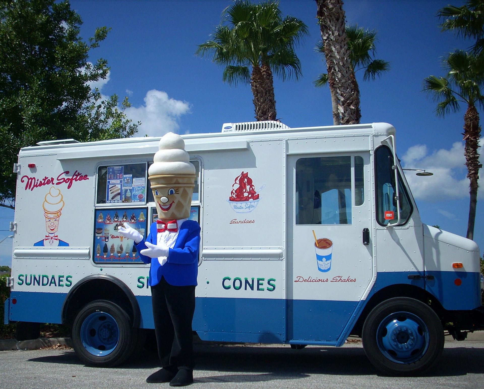 Ice Cream Truck Mr Softee Ice cream drive...