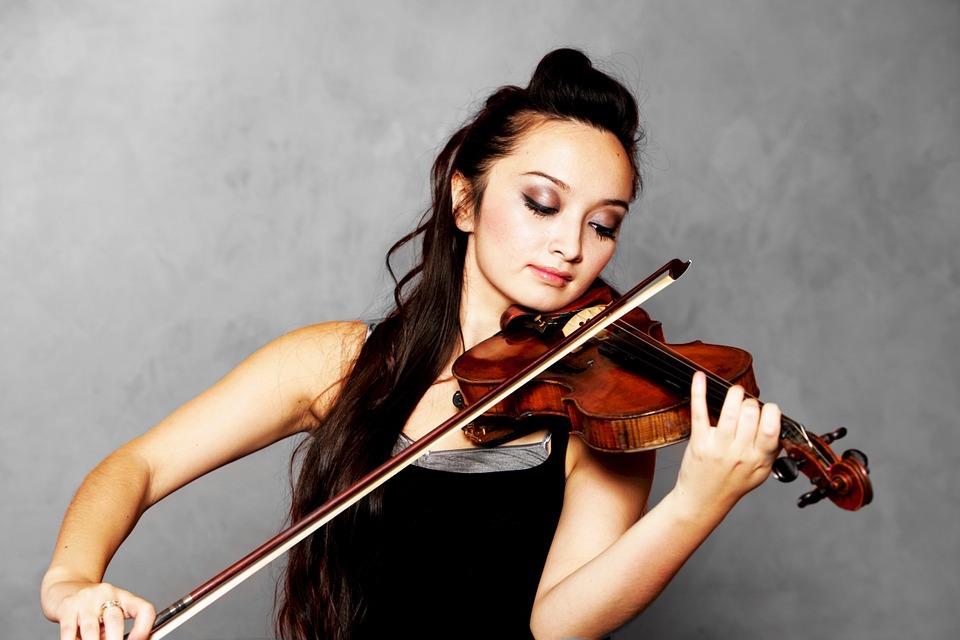 solo-violinist-619154_960_720