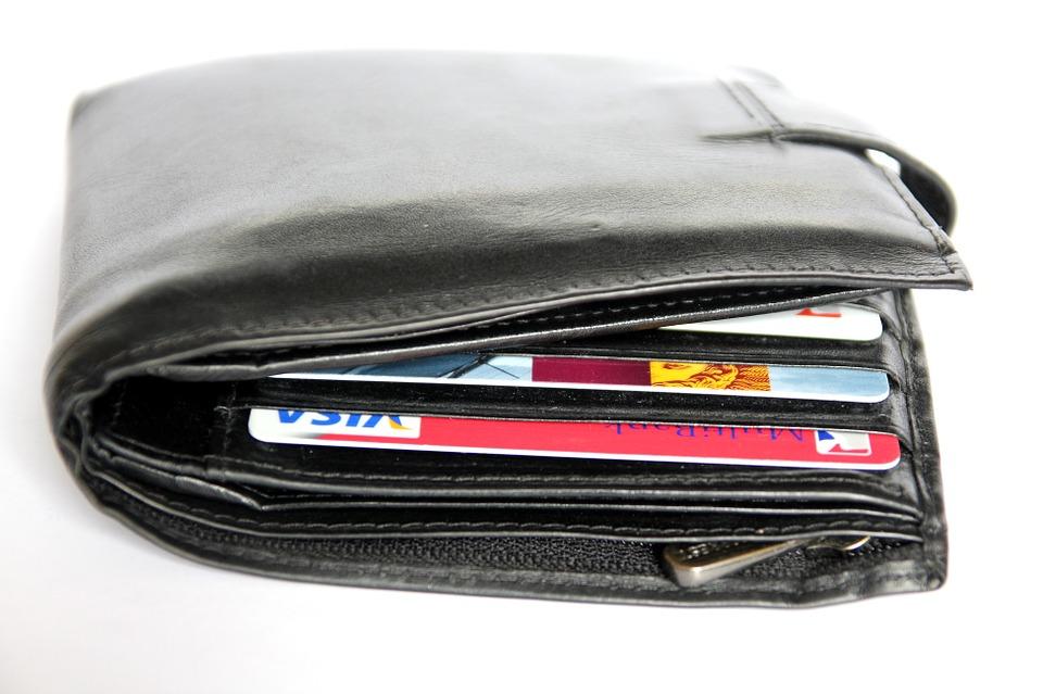 wallet-367975_960_720