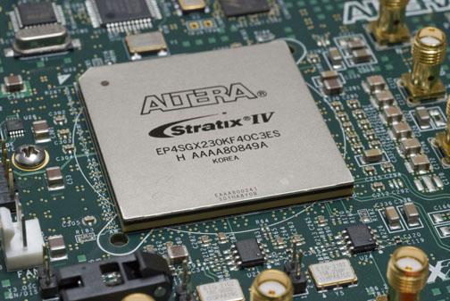 Altera_StratixIVGX_FPGA