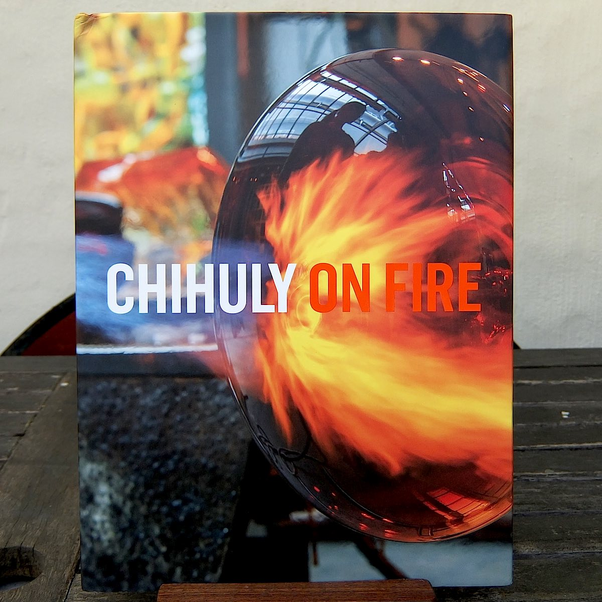 Glass artist Dale Chihuly plays with fire and the audacity of beauty