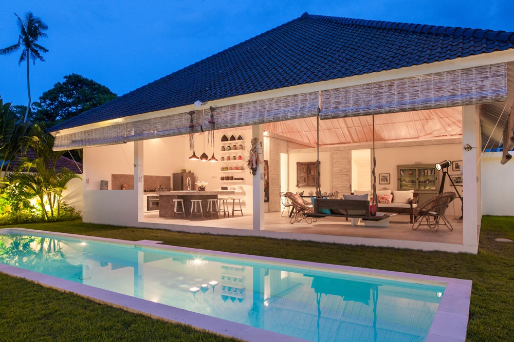 What kind of house 300 000 can buy around the world for One of a kind house plans