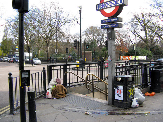 Entrance_to_Bethnal_Green_Underground_station_-_geograph.org.uk_-_1597366