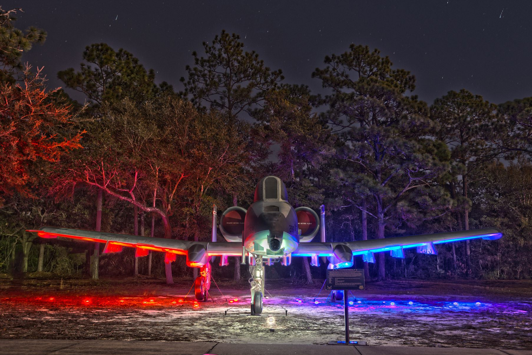Knomad Colab's pop-up public light art installations