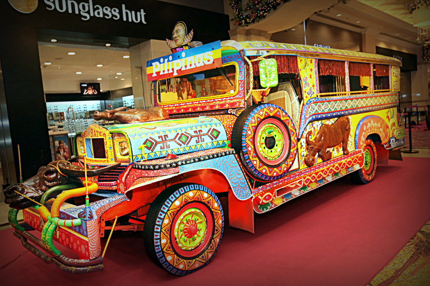 Jeepneys: souped-up rides from the Philippines / Boing Boing