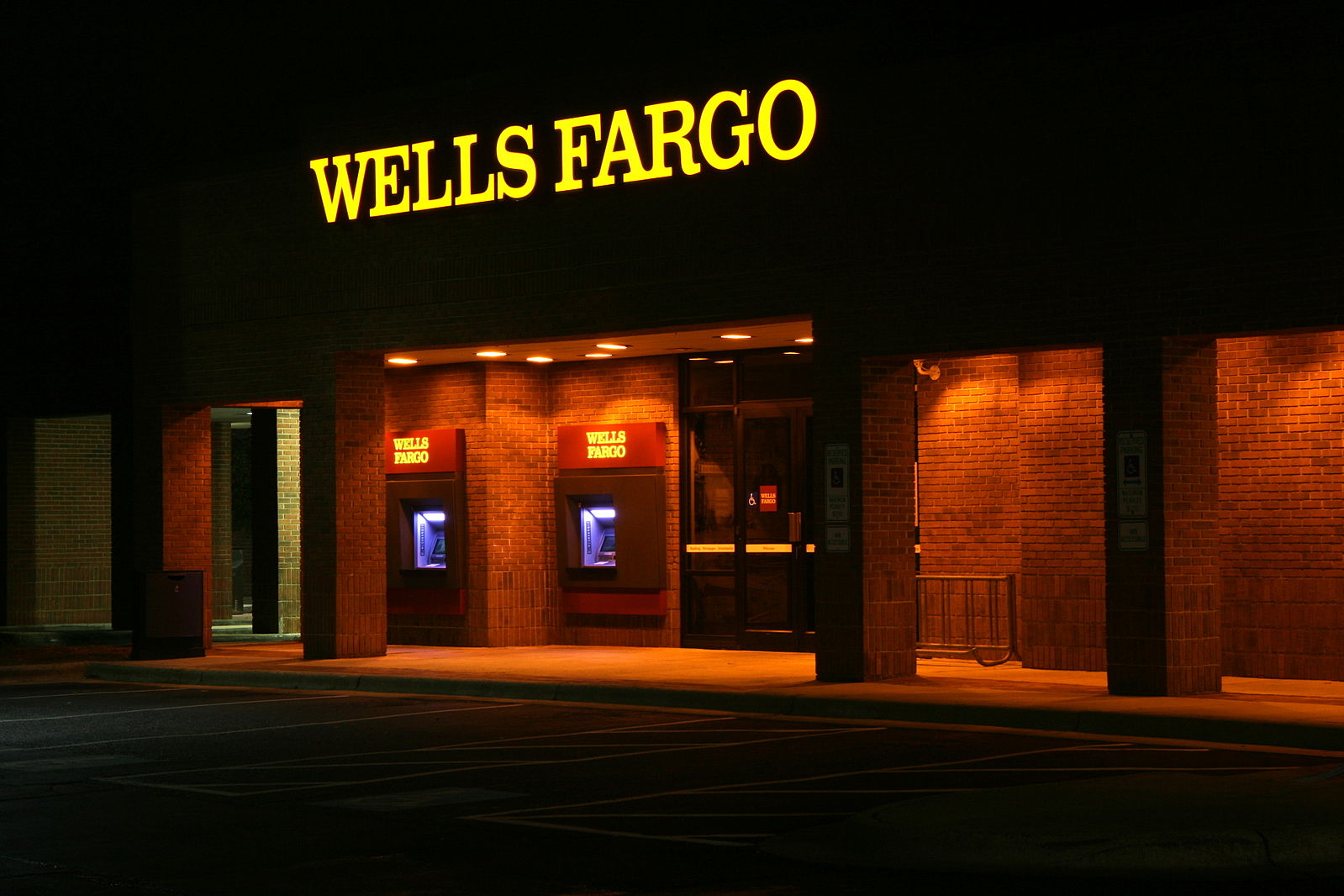 Wells Fargo Fires 5 300 Employees For Opening 2m Fake Accounts In Customers Names