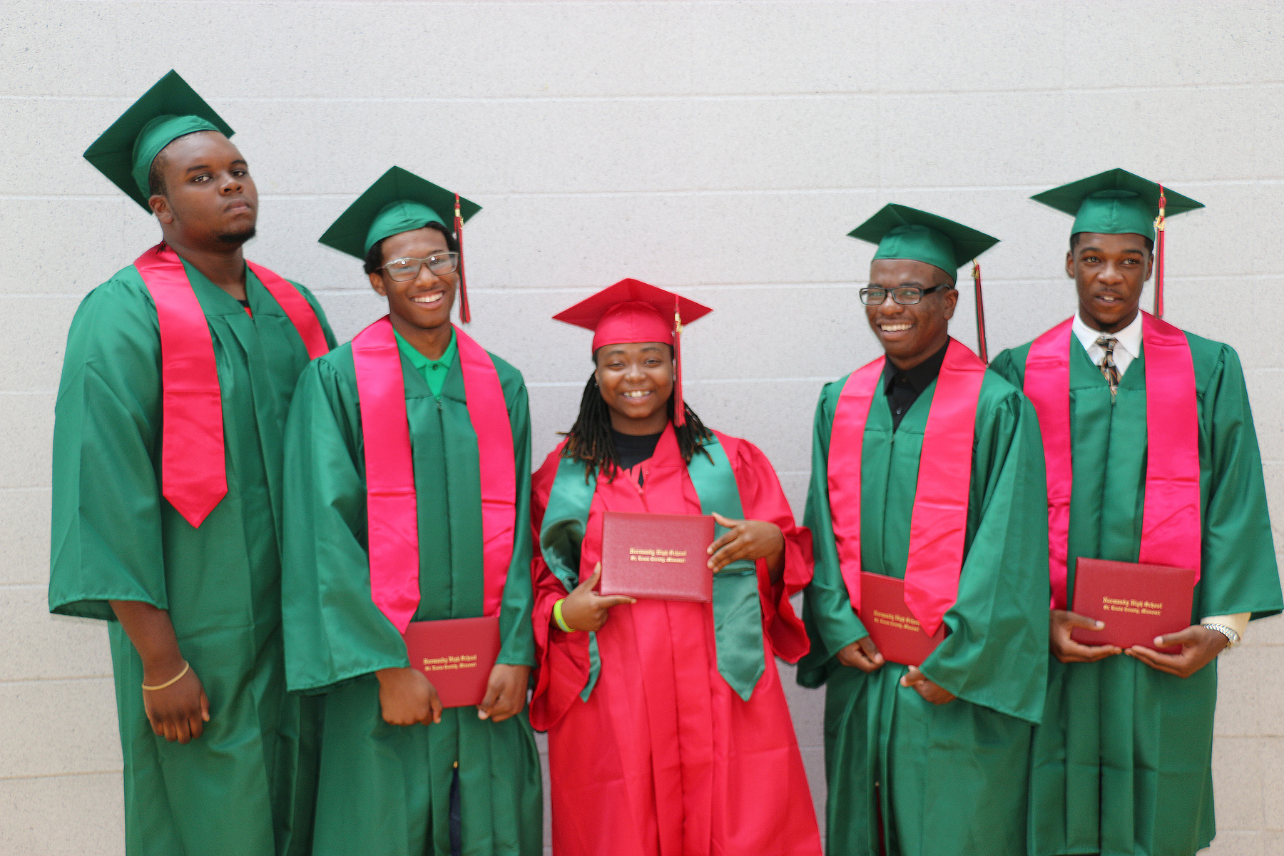 2014_nhs_summer_graduates-sharpened-1800-1200-04bba0