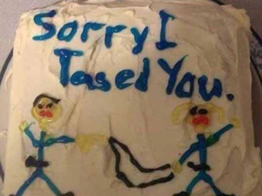 "Cop baked ""Sorry I tased you"" cake for woman who sued him"