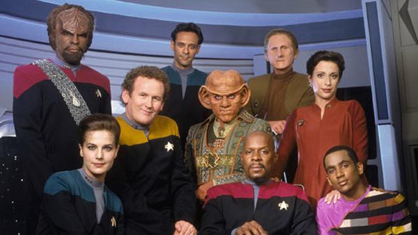 Star-Trek-Deep-Space-Nine-crew.jpg