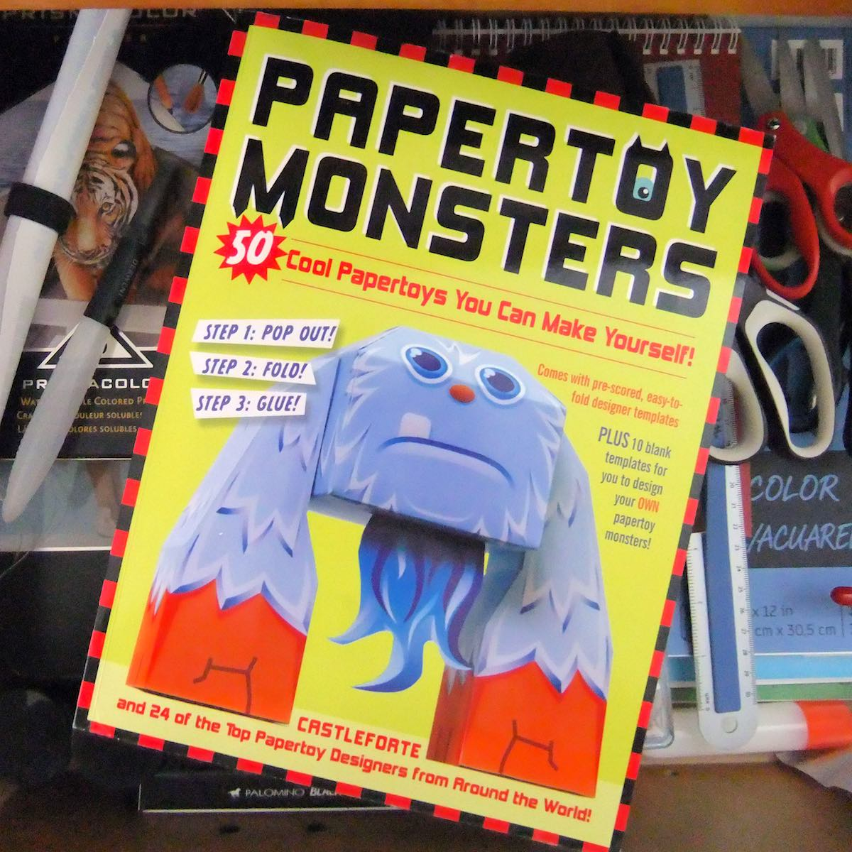 Papertoy Monsters – Build 50 3D toys with just paper and